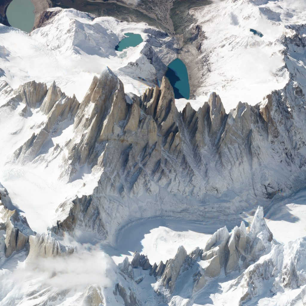 Góra Fitz Roy obserwowana przez satelitę konstelacji SkySats 19 marca 2018 roku. Fot. Planet Labs.