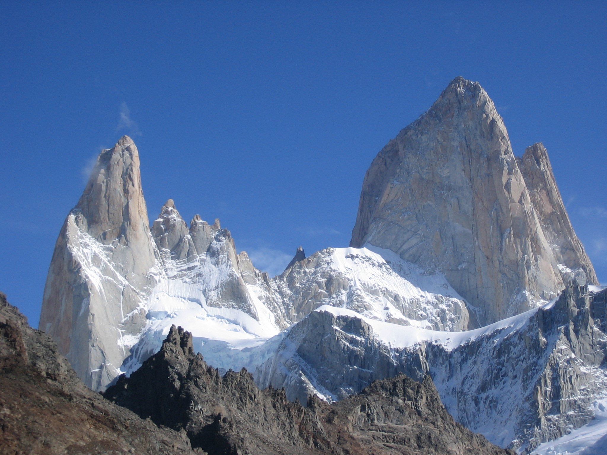 Góra Fitz Roy widziana z powierzchni Ziemi. Fot. Wikipedia.