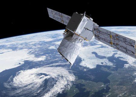 Satelita Aeolus z lidarem ALADIN na orbicie. Rys. ESA