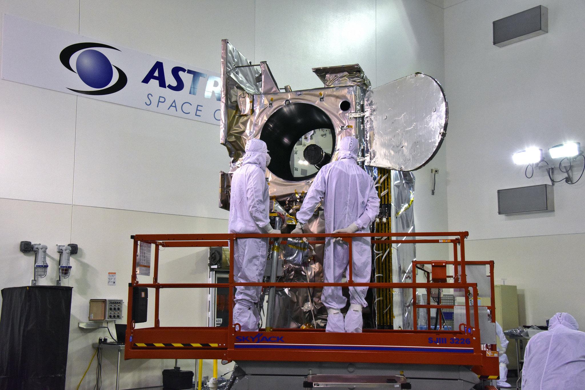 IceSat-2 podczas przygotowań do wystrzelenia. Fot. NASA