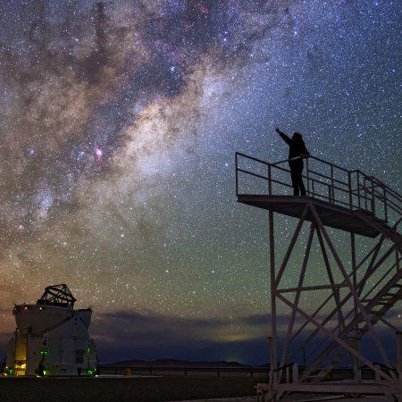 Uchwycić gwiazdę... Fot. ESO/B. Tafreshi (twanight.org)